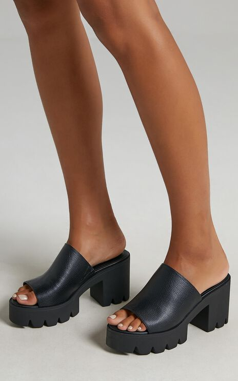 Therapy - Bluff Heels in Black