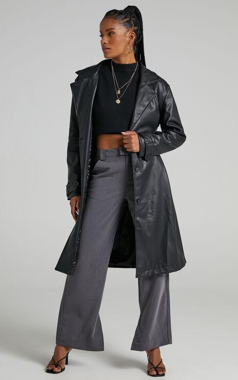 Desdemona Coat in Black