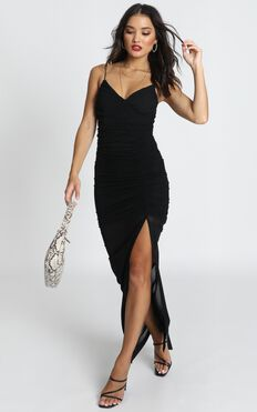 Turn Back Dress In Black