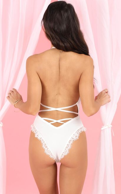 Inner Glow Bodysuit In White Lace - 14 (XL), White, hi-res image number null