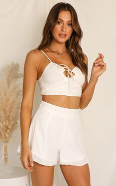 Paradise Dreaming Shorts In White