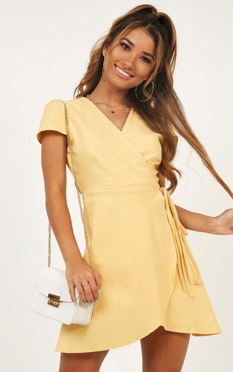 To Market Dress In Yellow Linen Look