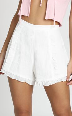 Not Happy For You Shorts In White Linen Look
