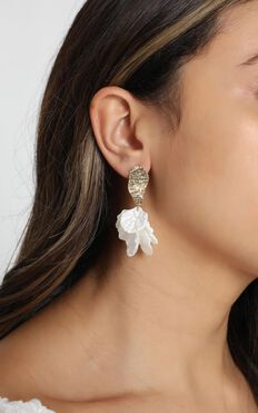 JT Luxe - Callie Drop Earrings in Gold