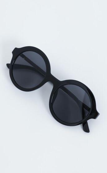 Reality Eyewear - Mind Bomb Sunglasses in Black