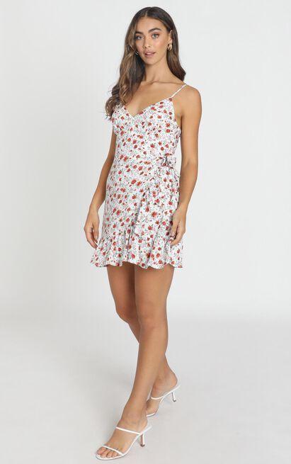 Saffron Frill Hem Mini Dress in white floral - 12 (L), White, hi-res image number null