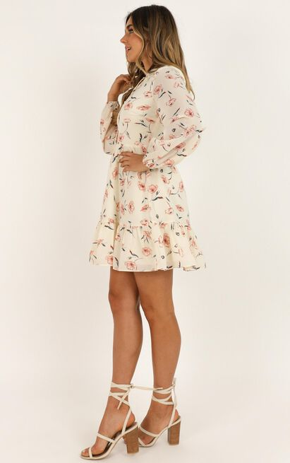 Not Together Dress in cream floral - 20 (XXXXL), Cream, hi-res image number null
