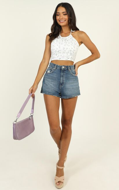 Creative Mind Top in white floral - 14 (XL), White, hi-res image number null