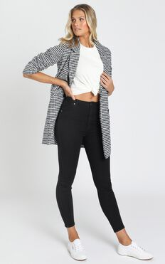 Lucia Double Breasted Coat in Black Houndstooth Check