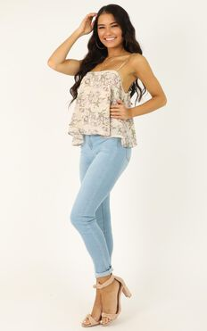 Wanna Be Found Top In Cream Floral