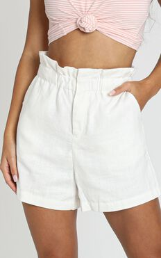 To Be Or Not Short In White Linen Look