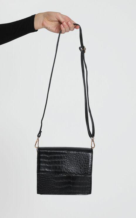 True Fashion Structured Bag In Black