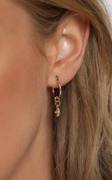 Minc Collections - Mini Cross Charm Hoop Hoop Earrings In Gold