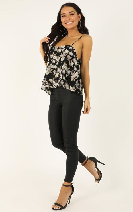 Wanna Be Found Top In Black Floral
