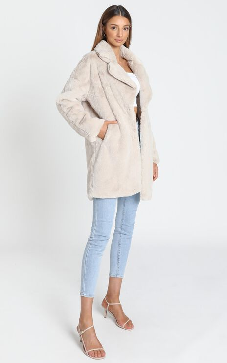 Cosy Coat in Cream