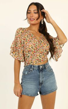 Everything I Deserve Ruffle Top In Multi Floral