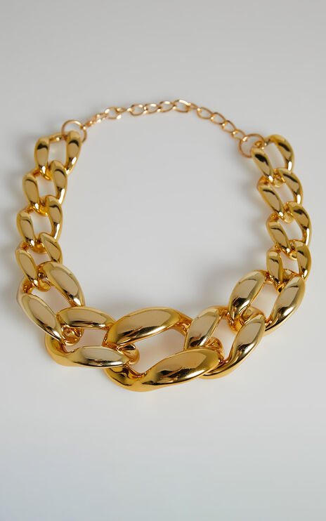 Alicha Necklace in Gold