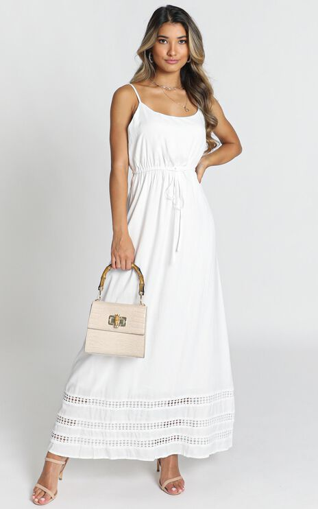 Roses For You Dress In White
