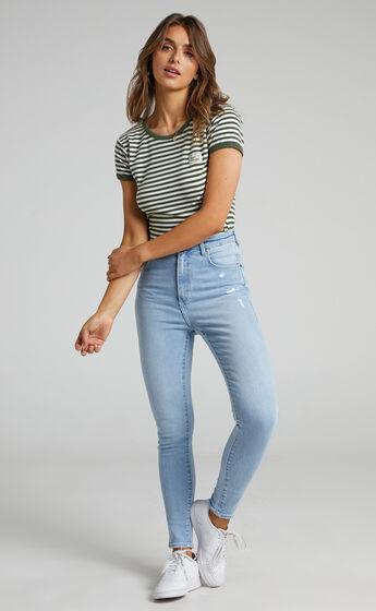 Wrangler - Hi Pins Jean in Solis Fade