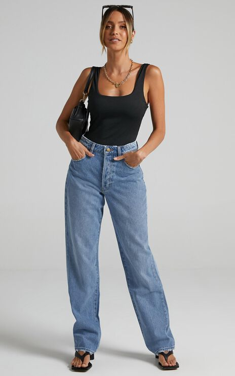 Rollas - Classic Straight Jean in 90s Blue