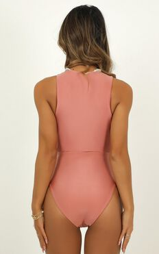 Skyla One Piece In Rose Metallic