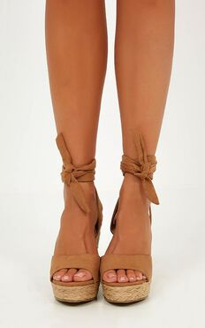 Billini - Skyros Wedges In Tan Micro