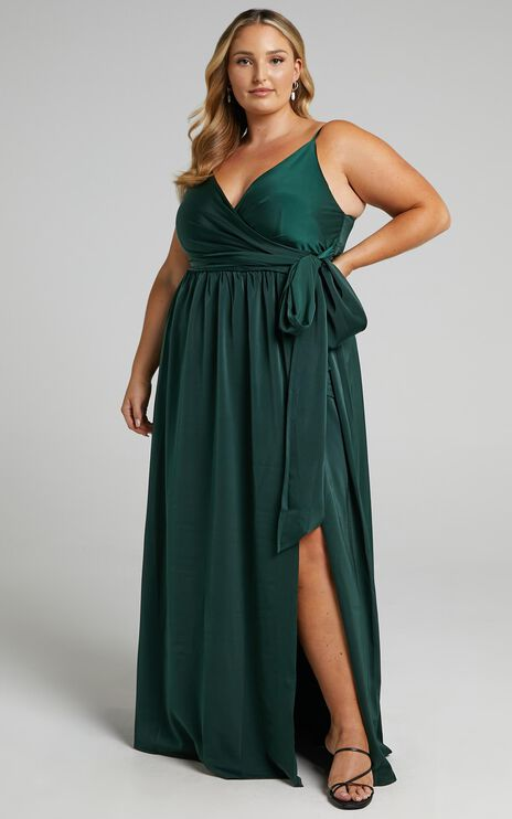 Revolve Around Me Dress In Emerald