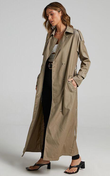 Lioness - Treacherous Long Coat in Beige