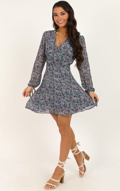Glorious Day Dress in blue floral - 20 (XXXXL), Blue, hi-res image number null