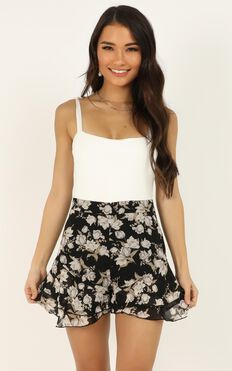 Flower Blossom Shorts In Black Floral