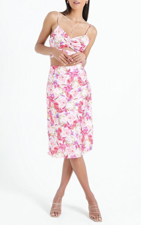 Creating Art Skirt in Eventful Bloom