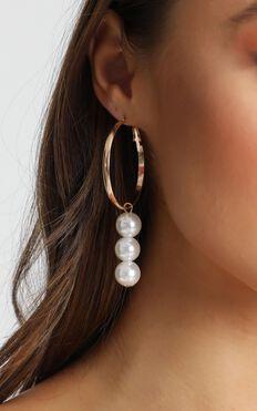 Voletta Pearl Drop Earrings In Gold