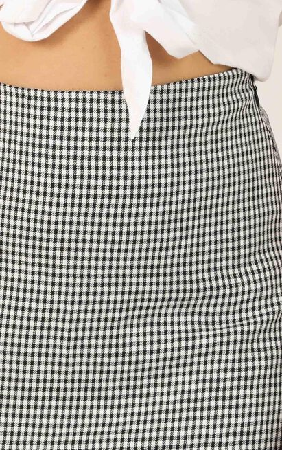 Replaying Conversations Skirt In black check - 12 (L), Black, hi-res image number null