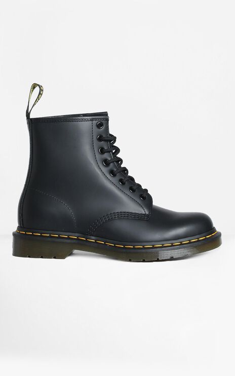 Dr. Martens - 1460 8 Eye Boot in Black Smooth
