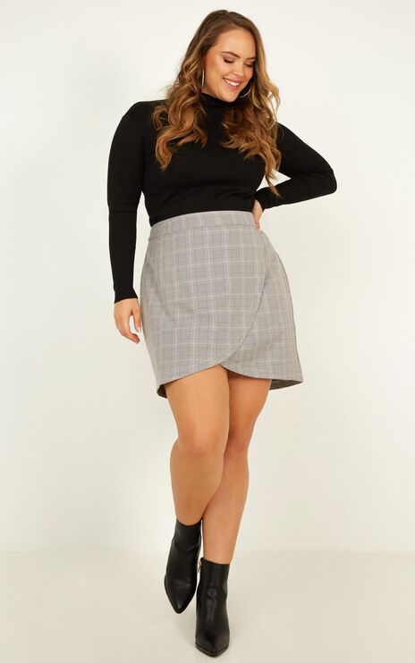 Winterberry Skirt In Grey Check