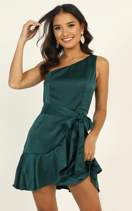 Weekend Style Dress In Emerald Green Satin