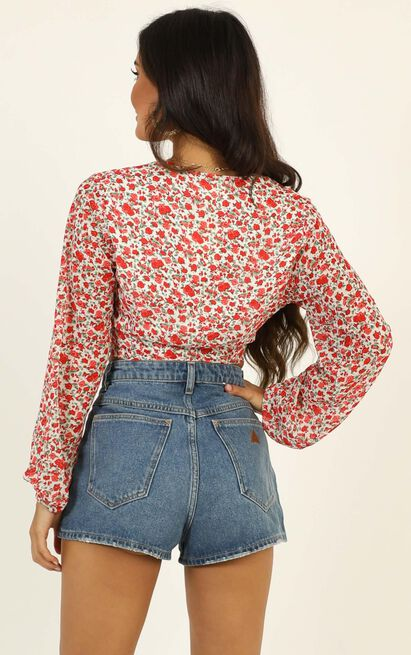 Not Your Average Top in white floral - 20 (XXXXL), White, hi-res image number null
