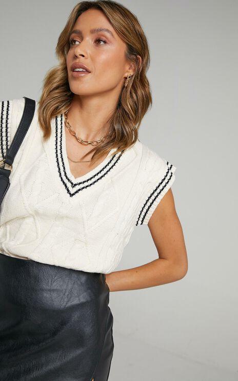 Oxford Knit Vest in Cream