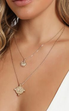 Alina Layered Necklace in Gold