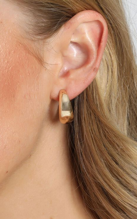 JT Luxe - Artisan Hoop Earrings in Gold