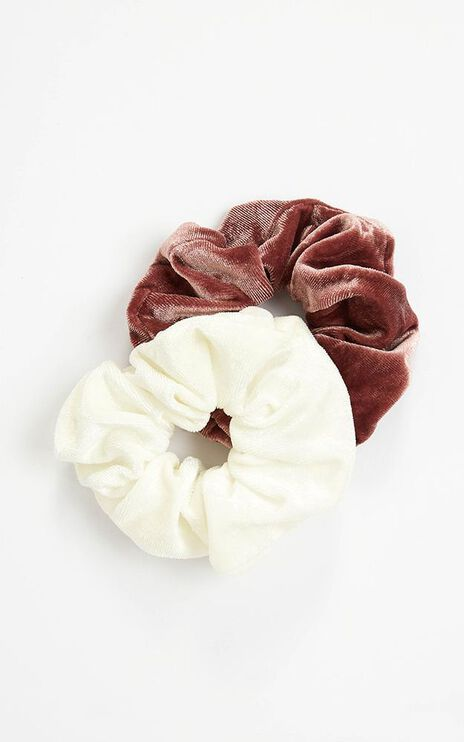 Moments To Last Scrunchie 2 Pack In White And Berry