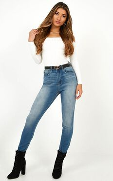 Abigail Skinny Jeans In Mid Wash