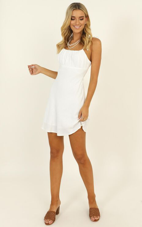 Pretty Mind Gathered Dress In White