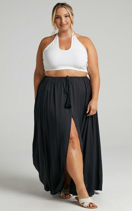 Under The Twilight Maxi Skirt In Black