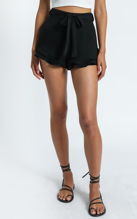 Pia Shorts in Black