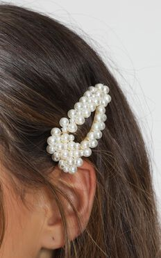 Find Love Hair Clip In Pearl