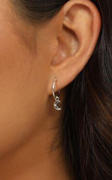 Midsummer Star - Sparkling Galaxy Sleeper Earrings In Silver