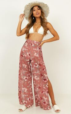 Never Skip A Beat Pants In Rose Floral