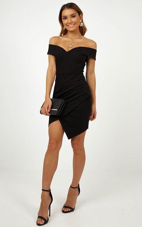 Night In Capri Dress In Black
