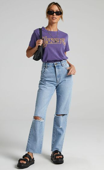 Mitchell & Ness - WMS Vintage Team Logo Tee Lakers in Faded Purple